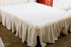 Gathered Bed Skirt made from a drop cloth or any fabric of choice. Time saving gathering technique included in tutorial. - by TIDBITS Ruffle Bed Skirts, Ruffle Bedding, Crib Bed Skirt, Queen Bedding, Grey Bedding, Arte Shabby Chic, Home Design, Drop Cloth Projects, Simple Bed