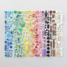 Collection of rainbow beach finds - Caroline South for Mollie Makes Save the Beaches! Rainbow Art, Rainbow Colors, Rainbow Things, Rainbow Stuff, Rainbow Beach, Plastic Art, Plastic Beach, Things Organized Neatly, Rainbow Aesthetic