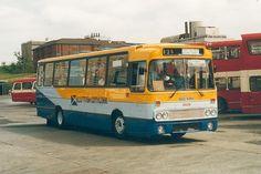 Image from http://www.photo-transport.co.uk/buses/sbg-split2/clydeside-r939-dsd939v-buchanan-jul86.JPG.