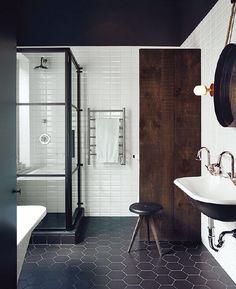 Bath black + white + brown •