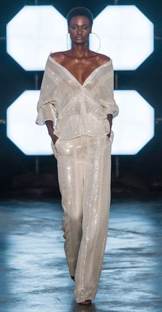 Sally LaPointe at New York Fashion Week Spring 2018 - Runway Photos Fashion 2018, Fashion Week, New York Fashion, Spring Fashion, High Fashion, Fashion Show, Fashion Trends, Style Haute Couture, Couture Fashion