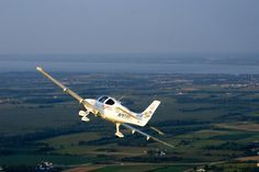Cirrus Sr22, Small Airplanes, Desktop Pictures, Aircraft, Vehicles, Aviation, Car, Planes, Airplane