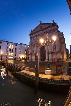 Photo prise lors d'un séjour à Venise.  Version HD : https://500px.com/photo/171616053/venise-3936-by-wilzone-photo Site : http://wilzone4.wix.com/wilzonephoto #Wilzonephoto #Venise #Italie #Italy #Venezia #Italia #Night