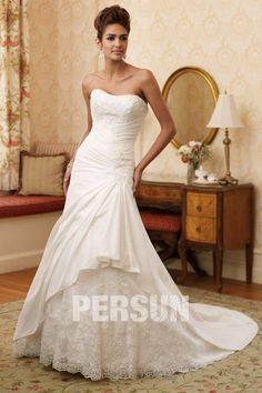 A-Linie satin and lace wedding dress - persunshop.de