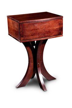Noční stolek Adele potěší svým tvarem všechny milovníky elegance. Zatímco vrchní část stolku má jednoduchý, klasický tvar a obsahuje skrytý šuplík na důležité drobnosti i tajné poklady, nožky jsou vyřešeny s náležitou kreativitou a citem pro detail. Čtyři oblouky se sbíhají a zase rozdělují, jakoby stolek sám byl kyticí květů, perlou ve středu fontány. Masivní dubové dřevo v barvě mléčné čokolády skvěle doplní každý interiér a to nejen ložnici, kam patří zejména. Adele, Furniture, Home Decor, Decoration Home, Room Decor, Home Furnishings, Home Interior Design, Home Decoration, Interior Design