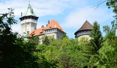 Castle hunting in Slovakia: Smolenice Castle - Eastern Europe Expat Bratislava Slovakia, Eastern Europe, Castles, Hunting, The Past, Mansions, House Styles, People, Life