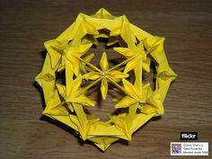 http://oqueemeuenosso.blogspot.com.br/2013/11/origami-kusudama-bila-de-la-japonezi.html