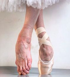 The other side of ballet but it is the WEEKEND! Give those feet a break! Dancers Feet, Ballet Feet, Ballet Dancers, Ballerinas, Dance Photos, Dance Pictures, Shoe Room, Ballet Poses, Ballet Photography