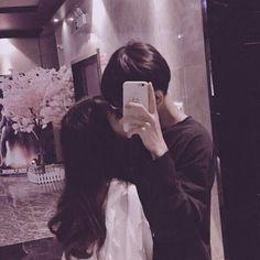 We were so funny doing this photo! Ulzzang Korean Girl, Ulzzang Couple, Couple Aesthetic, Aesthetic Girl, Cute Couple Pictures, Couple Photos, Couple Goals Cuddling, Uzzlang Girl, Korean Couple