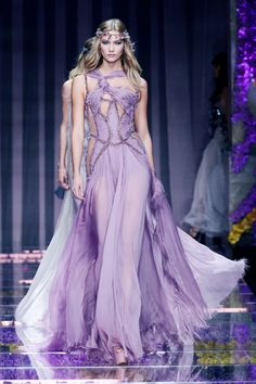 Karlie Kloss at Versace Fall 2015 Couture.