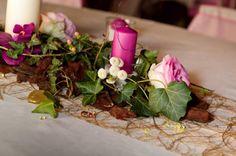 Centre de table fleuri avec bougies by Embellies d'Amélie. Flower centerpiece with candle. #wedding #mariage Tables, Table Decorations, Home Decor, Floral, Center Table, Candles, Mesas, Decoration Home, Room Decor