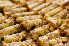 A crisp and crunchy South African pick-me-up, similar to a dry granola bar or a crumbly cookie. Perfect for dunking into coffee or tea. Rusks stay good for up to two months when stored in an airtight container at room temperature. South African Recipes, Ethnic Recipes, Africa Recipes, Buttermilk Rusks, Rusk Recipe, Salted Caramel Fudge, Salted Caramels, All Bran, Thing 1