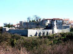 castello di Grottaminarda, provincia di Avellino, Campania. 41°04′15″N 15°03′35″E