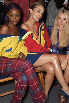 Justine Skye with Jasmine Sanders & Lottie Moss Golden Barbie, Lottie Moss, Jasmine Sanders, Story Characters, Photo Diary, Teen Vogue, Front Row, The Row, Fashion Outfits