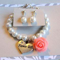 Flower girl bracelet-Little girls pearl bracelet-toddler