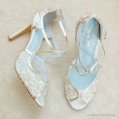 ideas for wedding shoes gold heels retro vintage Disney Wedding Dress, Wedding Dress Trends, Wedding Dresses, Fall Wedding Shoes, Bridal Shoes, Wedding Heels, Gold Wedding, Floral Wedding, Hair Wedding