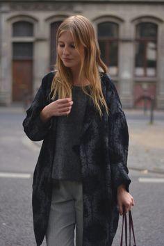 outfit pullover punkte jacke business hose blond fashion blog köln