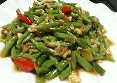 Tumis Buncis Telur Indonesian Cuisine, Indonesian Recipes, Cooking Recipes, Drink Recipes, Vegetable Recipes, Green Beans, Menu, Vegetables, Menu Board Design