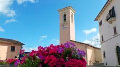 Nona tappa: Poggiodomo. Il centro storico di Poggiodomo è costituito da un castello fondato nel XIII secolo, che faceva parte del territorio di Cascia fino all`epoca dell`occupazione francese, quando fu eretto a comune autonomo.