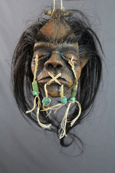 High detail large shrunken head with jewlery, twine, and realistic hair. Witch Doctor Costume, Voodoo Costume, Voodoo Halloween, Fete Halloween, Voodoo Dolls, Voodoo Party, Halloween Banner, Halloween 2018, Larp