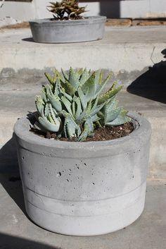 diy cement planter ++ DIY Garden - Doe het zelf Tuin **