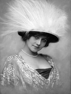 Hat by Jacques Doucet, 1900- large ostrich feather hats were very popular during this time