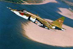 """Sukhoi Su-25 Grach (NATO name Frogfoot) СУ-25 """"Грач"""" бронированный дозвуковой штурмовик"""