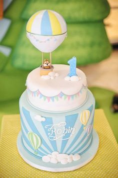 Hot air balloon cake by ronisilver Baby Cakes, Fondant Cakes, Cupcake Cakes, Keks Dessert, Hot Air Balloon Cake, Air Ballon, 1st Birthday Cakes, Balloon Birthday, Diy Birthday