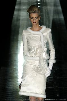Valentino at Couture Fall 2004