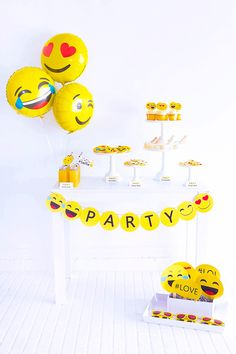 What better way to than with emoji balloons! 😍🥳✨🎉🎈Comment your go-to party emojis below! Birthday Party For Teens, 12th Birthday, Teen Birthday, Happy Birthday, Party Emoji, Free Emoji Printables, Party Printables, Teenager Party, Rainbow Balloons