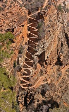 #Angles_Landing at #Zion_National_Park in #Utah - #USA http://en.directrooms.com/hotels/country/10-192/