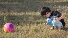 Prompting your preschooler with questions about what he can find and learn about nature will help your child really think about what he sees.