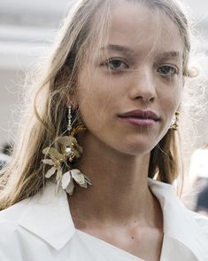 Bride Style | My favourite look at the moment is a relaxed modern gown with a pair of killer statement earrings like these @marni ones from @netaporter ✨✨  |#preajamesloves #statementearrings