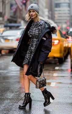 New york fashion week the best street style looks. Nyfw Street Style, Street Style Trends, Autumn Street Style, Cool Street Fashion, Street Style Looks, Street Chic, Street Style Women, Curvy Women Fashion, Womens Fashion For Work