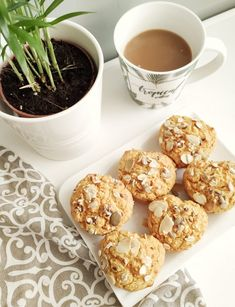 #mentes #cukormentes #tejmentes #répatorta #répa #muffin #muffinrecept #healthy #fitbaking #fitness #fittrecept #fittmuffin #mentesmuffin #egészséges Doughnut, Muffin, Desserts, Food, Mint, Tailgate Desserts, Deserts, Essen, Muffins