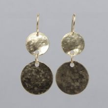Goldfill Hammered Earrings #handmade #jewelry #locallymade #gold #earrings #classic #accessories www.jewelya.com
