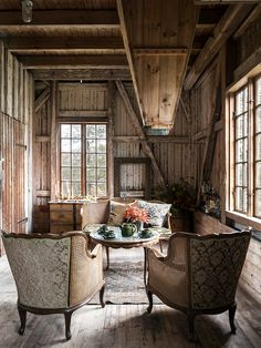 A vintage-style sitting room in a beautiful, rustic mill on the shores of lake Rinnen, Sweden. Photo Carina Olander. Styling Anna Truelsen.