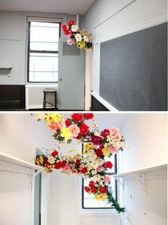 """Too darn beautiful.  Flowerinstallation """"Ina"""" by Grace Villamil.  (via Freunde von Freunden)"""