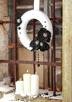 black & white diy wreath...black and gray would be more me...