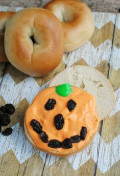 Pumpkin Bagel Hallow