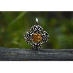 Wisiorek Symbol Słońca w Ornamentach