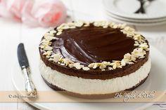 Cheesecake con mousse al cioccolato golosissima, un dolce fresco. senza cottura e senza uova facile da preparare. Ideale per occasioni e feste speciali.