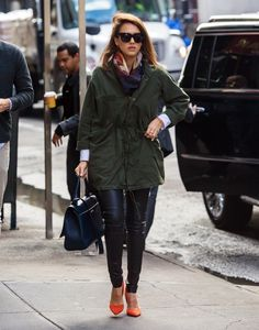 Jessica-Alba-Adds-Pop-Color-Outfit-October-2015