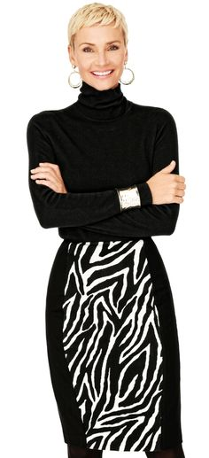 Having fun with ALL my FAV lines and FAV slimming fashion tips that travel well. Away we gooooo. #paypalit create the ILLUSION...panel skirts...The Ponte Fab 5: 1. The Pencil Skirt – sharp looks, wildly fab. #WildAbout30 #chicos