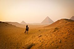 amazing-places-to-see-before-you-die-56     Giza Pyramids, Egypt