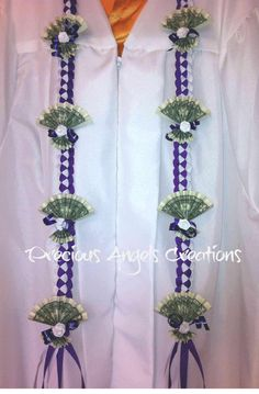 Hawaiian Money Lei for Graduation- White & Purple braided ribbons Money Lei, Money Origami, Money Cake, Graduation Crafts, Graduation Leis, Hawaiian Crafts, Hawaiian Leis, Ribbon Lei, Ribbon Crafts