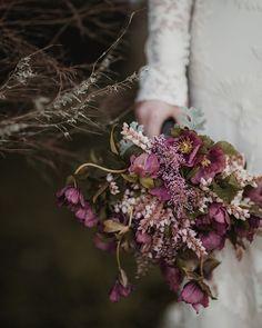 Purple wedding bouquet | Rue de Seine