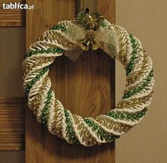 Wianki z papierowej wikliny Sosnowiec - image 3 Decor Crafts, Holiday Crafts, Diy And Crafts, Christmas Crafts, Christmas Decorations, Recycle Newspaper, Newspaper Crafts, Old Newspaper, Corn Dolly
