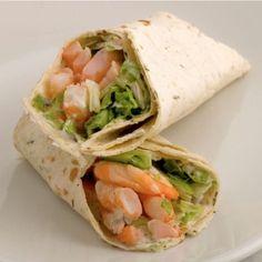 Email Wraps met garnalen Borrelhapjes, Lunch februari 27, 2016 Voorbereiding: 5 mins Bereiding: 15 mins Ingredienten8 wraps2 paprika's (geel)2 teentjes knoflook4-6 eetlepels milde salsa saus150 g Griekse yoghurt300 g garnalen Veldsla Aanwijzingen1Snijd de paprika in blokjes2Pers het teentje knoflook3Bak de paprika en knoflook in een pan met olie 4Meng de salsa saus er doorheen, verwarm …