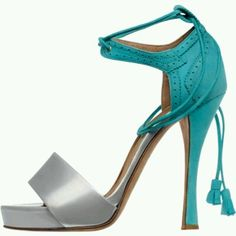 Great color combination on these heels